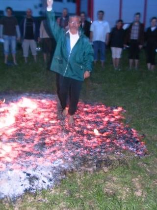 Feuerlauf Heidehof 23. April 2005